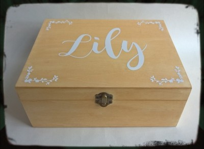 Stained Wooden Bridesmaid Box